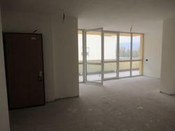 Appartamento al grezzo avanzato con 2 garage e 2 cantine - Lotto 9287 (Asta 9287)