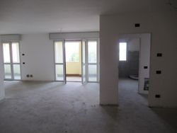 Advanced unfinished apartment with   garages and   cellars - Lote 9288 (Subasta 9288)