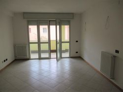 Three room apartment with   garages and cellar - Lote 9300 (Subasta 9300)