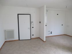 Three room apartment with garage and cellar - Lote 9305 (Subasta 9305)