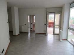 Two room apartment with   garages and cellar - Lote 9307 (Subasta 9307)