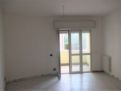 Three room apartment with garage and cellar - Lote 9308 (Subasta 9308)
