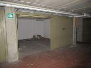 Immagine n8 - Appartamento su tre livelli con 3 garage - Asta 9316
