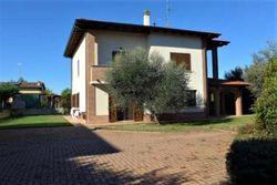 Villetta a due piani con corte pertinenziale - Lotto 9336 (Asta 9336)