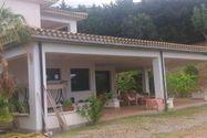 Immagine n13 - Villa con campo da tennis e vista panoramica - Asta 9356