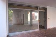 Immagine n0 - Negozio (sub 7) in complesso residenziale - Asta 9463