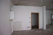 Immagine n3 - Negozio (sub 7) in complesso residenziale - Asta 9463
