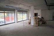Immagine n2 - Negozio (sub 8) in complesso residenziale - Asta 9464