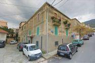 Immagine n3 - Quote di due appartamenti con depositi e frustolo di terreno - Asta 9468