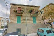Immagine n4 - Quote di due appartamenti con depositi e frustolo di terreno - Asta 9468