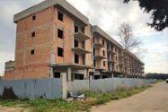 Immagine n0 - Terreno con complesso residenziale grezzo - Asta 9510