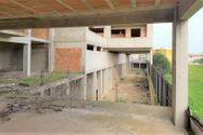 Immagine n2 - Terreno con complesso residenziale grezzo - Asta 9510