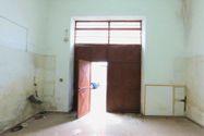 Immagine n2 - Negozio piano terra con soppalco da sanare - Asta 9512
