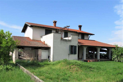 Single family villa with courtyard - Lot 9572 (Auction 9572)