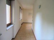 Immagine n0 - Ufficio al piano primo con posti auto coperti - Asta 9622