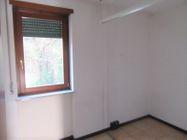 Immagine n3 - Ufficio al piano primo con posti auto coperti - Asta 9622