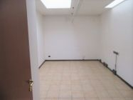 Immagine n4 - Ufficio al piano primo con posti auto coperti - Asta 9622