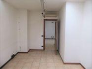 Immagine n5 - Ufficio al piano primo con posti auto coperti - Asta 9622