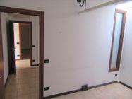 Immagine n6 - Ufficio al piano primo con posti auto coperti - Asta 9622