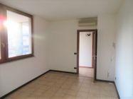 Immagine n7 - Ufficio al piano primo con posti auto coperti - Asta 9622