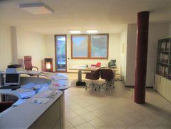 Ufficio al piano primo con garage e posti auto - Lotto 9625 (Asta 9625)