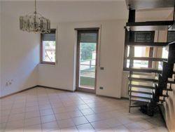 Appartamento al terzo piano su due livelli con pertinenze - Lotto 9635 (Asta 9635)