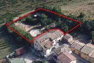 Immagine n12 - Abitazione con annessi e corte di pertinenza - Asta 9776