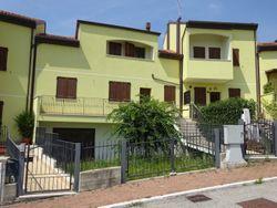 Appartamento (sub 3) in complesso a schiera