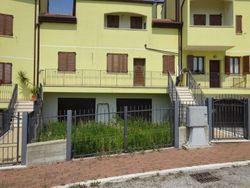 Appartamento (sub 9) in complesso a schiera
