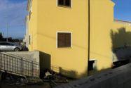 Immagine n1 - Trilocale con veranda e corte privata - Asta 9847