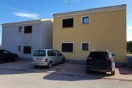 Immagine n6 - Tavernetta con cortile e posti auto - Asta 9851