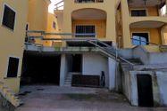 Immagine n1 - Tavernetta con veranda e cantina - Asta 9852