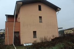 Portion of unfinished semi detached house - Lote 9877 (Subasta 9877)