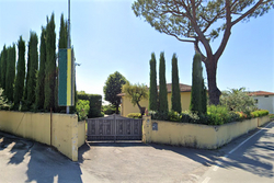 Semi detached house with garden and warehouse - Lot 9895 (Auction 9895)