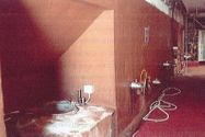 Immagine n5 - Wine cellar with movable property and land - Asta 9904