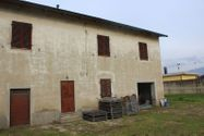Immagine n0 - Abitazione duplex con corte e terreni di pertinenza - Asta 9905
