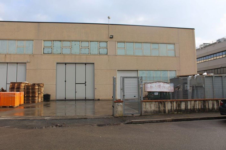 Immagine n. 2 - #9907 Fabbricato produttivo con resede di pertinenza comune
