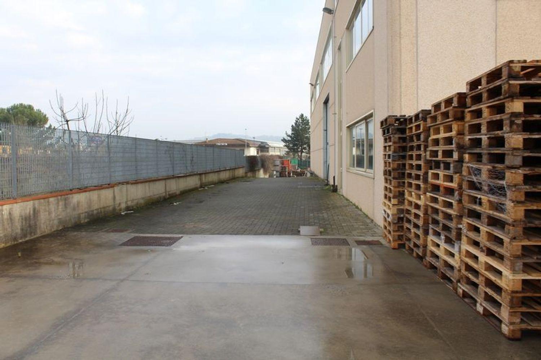 Immagine n. 4 - #9907 Fabbricato produttivo con resede di pertinenza comune