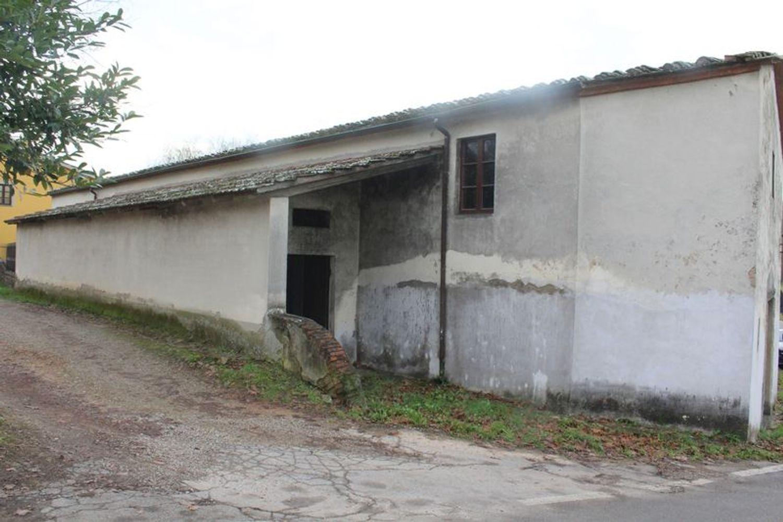 #9908 Fabbricato adibito a deposito con terreni di pertinenza in vendita - foto 3