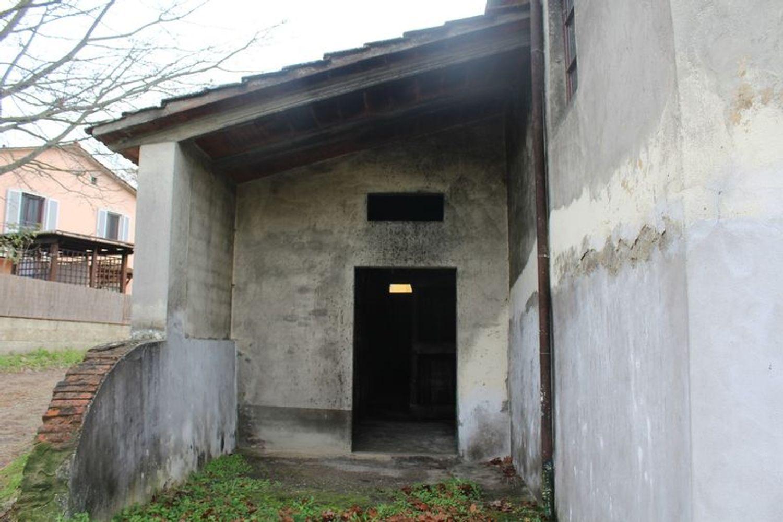 #9908 Fabbricato adibito a deposito con terreni di pertinenza in vendita - foto 4