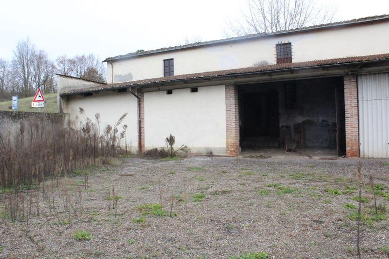 #9908 Fabbricato adibito a deposito con terreni di pertinenza in vendita - foto 5