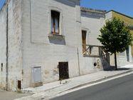 Immagine n0 - Complesso edilizio con abitazioni e garage - Asta 991