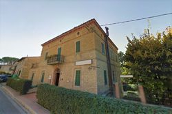 Period villa used as accommodation - Lot 9912 (Auction 9912)