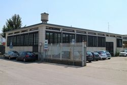 Commercial building with offices - Lot 992 (Auction 992)