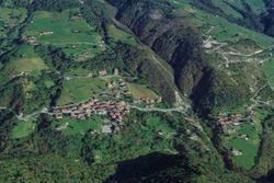 Quota 1/24 di casa rurale e terreni dirupi - Lotto 9928 (Asta 9928)