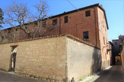 th century building with private parking - Lot 9932 (Auction 9932)