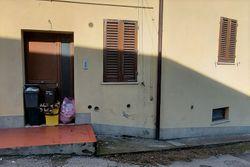 Abitazione su tre piani con soffitta e corte - Lotto 9939 (Asta 9939)