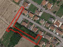 Land to be divided into public green of  ,    sqm - Lote 9981 (Subasta 9981)