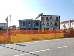 Complesso residenziale, commerciale e direzionale in costruzione